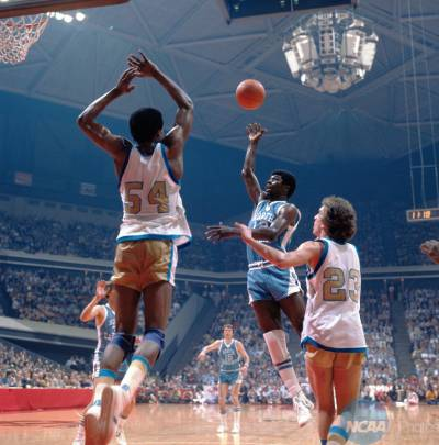 1977_ncaa_finals_mu_unc_02.jpeg